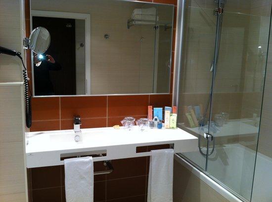 LOFT Hotel Bratislava: salle de bain