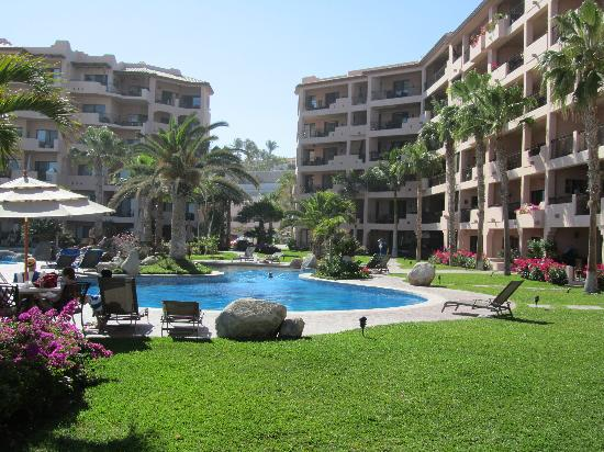 El Zalate Villas: A view of the complex from the center courtyard and pool