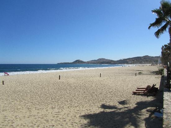 El Zalate Villas: The beach right outside the gates of the complex
