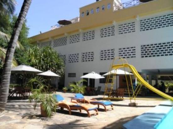 Kahama Hotel: Pool