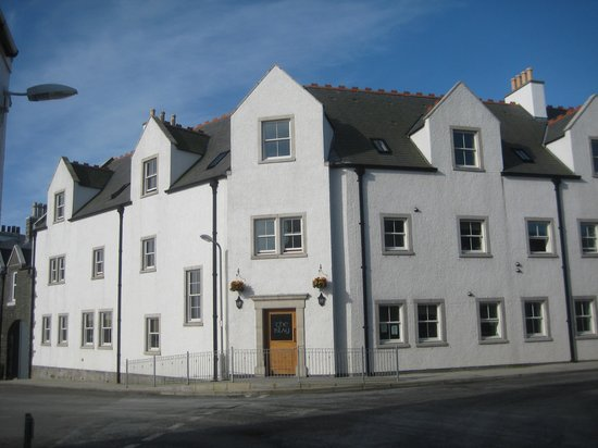 The Islay Hotel: View from the street