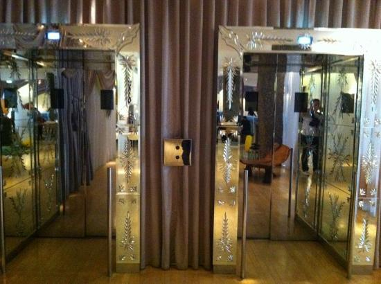 Sanderson Hotel London Reviews