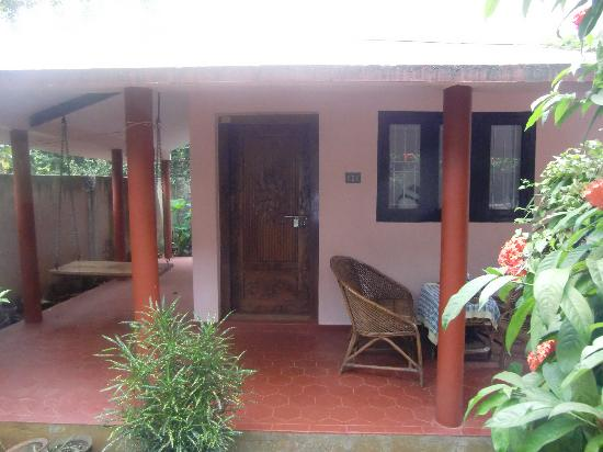Mickey's Homestay: Garden cottage,Mickeys Homestay