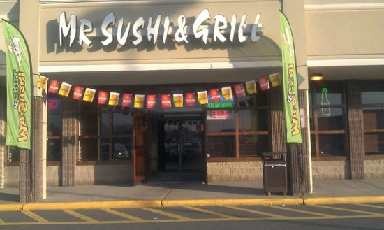 Mr. Sushi & Grill: Entrance