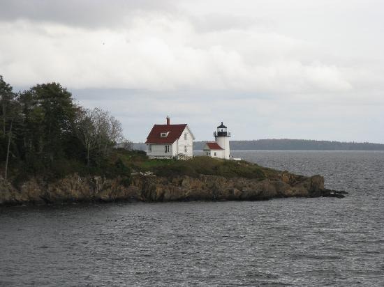 High Street Historic District : Curtis Island Lighthouse
