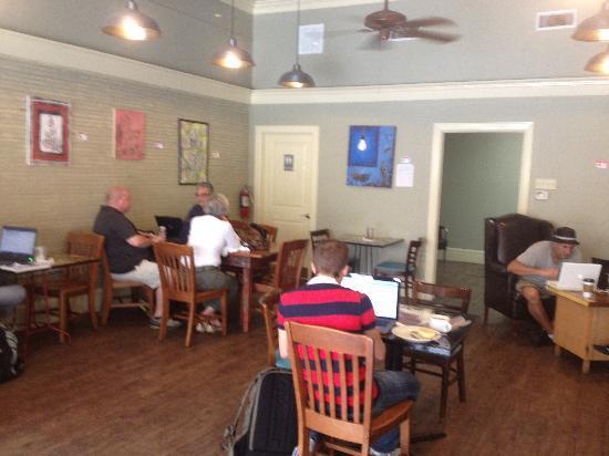 MOD Coffee House & Cafe: Side Room