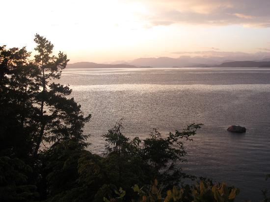 The Savary Island Resort: Savary sunset
