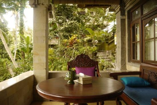 Alam Jiwa: porch