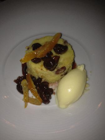 Restaurant Eve : Bread Pudding - a Must Have