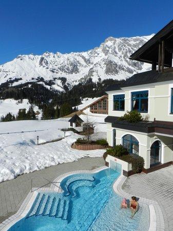 Ubergossene Alm Resort: Blick von der Sonnenterrasse