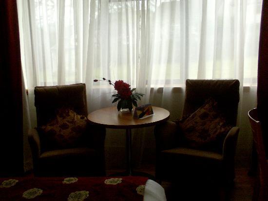 Sligo Park Hotel: Seating area