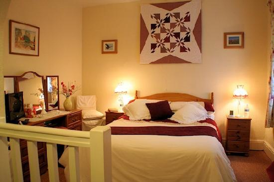 Plasnewydd Bed and Breakfast: Our delightful ensuite bedroom