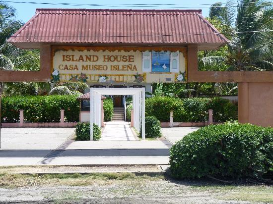 Decameron Marazul : Island House Casa Museo Islena