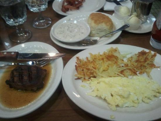 Cattlemen's Steakhouse: Best Saturday breakfast ever!