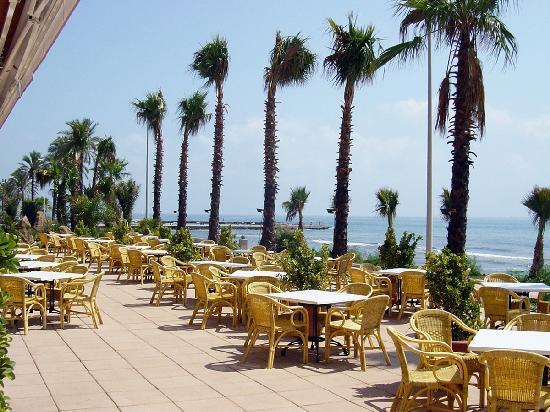 Sunway Playa Golf Hotel & Spa: Terraza del bar-cafetería