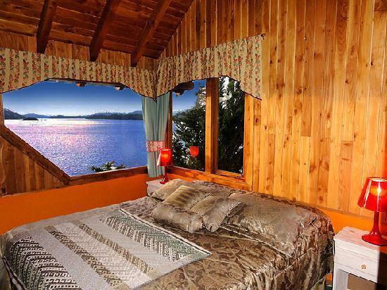 Apart Hotel Cabanas Balcon al Lago: Gran vista desde uno de los dormitorios