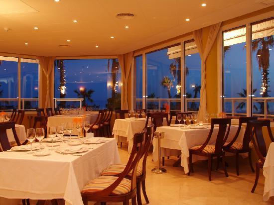 Sunway Playa Golf Hotel & Spa: Restaurante (sala)