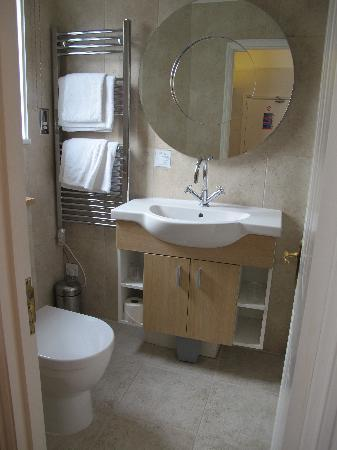 Harington's City Hotel: Bathroom