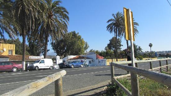 Бенахарафе, Испания: Subida de playa al camping