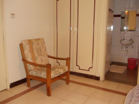 Methodist Guest House: Small sitting area