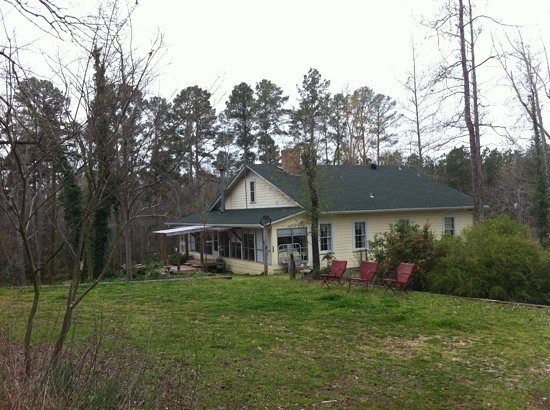 Holly Hill Homestead B&B: Nestled amidst pine trees, this B&B will have you coming back again and again!