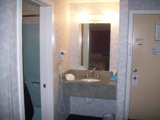Bangor Inn & Suites: 4