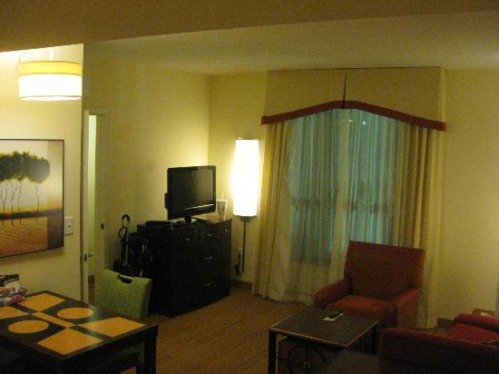 Residence Inn by Marriott Birmingham Downtown at UAB: Living Room