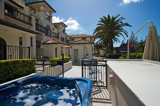 Island Beach Resort: Spa/ Building