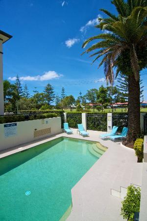 Island Beach Resort: Pool.