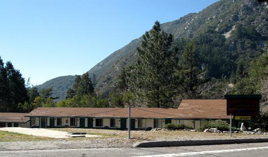 Mount Baldy, CA: Mt Baldy - Mt Baldy Lodge Motel