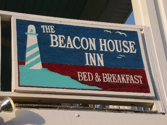 Beacon House Inn Bed & Breakfast: The sign