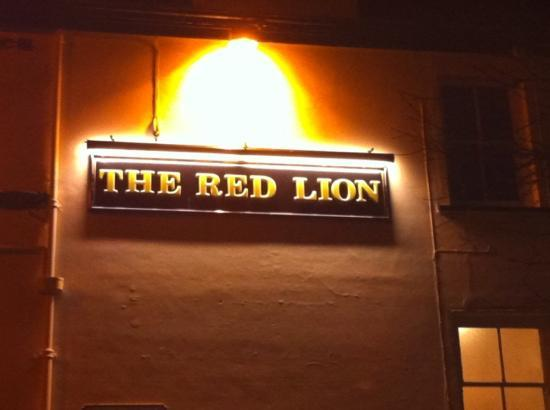 The Red Lion : red lion