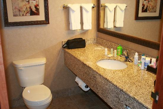 Comfort Inn and Suites Lincoln City: This is the upgraded Room