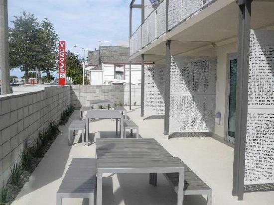 Navigate Seaside Hotel & Apartments: Ground Floor patio