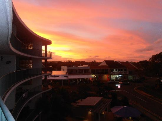 Norfolks on Moffat Beach: Sunset from our apartment balcony