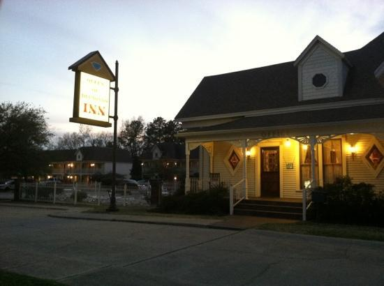 Queen of Diamonds Inn, near sunset, March 17, 2012.