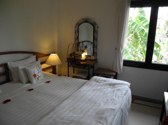 Ha An Hotel: Room 203