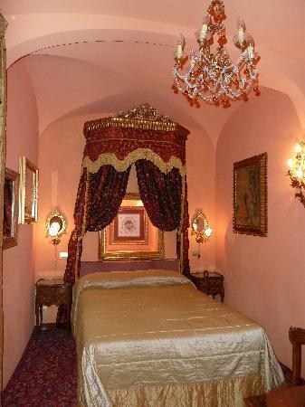 Boutique Hotel Campo de Fiori: Room