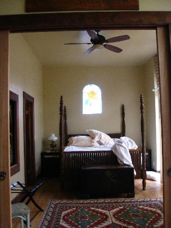 The 1880 Union Hotel: Bedroom