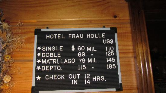 Hotel Frau Holle: Pizarra con precios, en marzo 2012