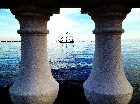 Bayshore Boulevard: Jose Gaspar pirate ship from Bayshore Blvd.