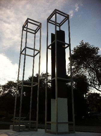 Bayshore Boulevard: Twin Towers Memorial on Bayshore Blvd.