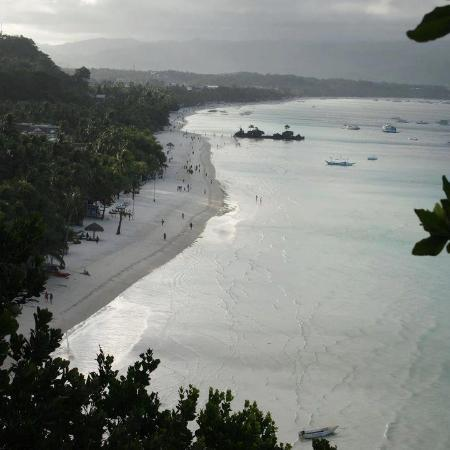 Boracay Terraces Resort: Beach view from the cross above the mountain (owned by the resort)