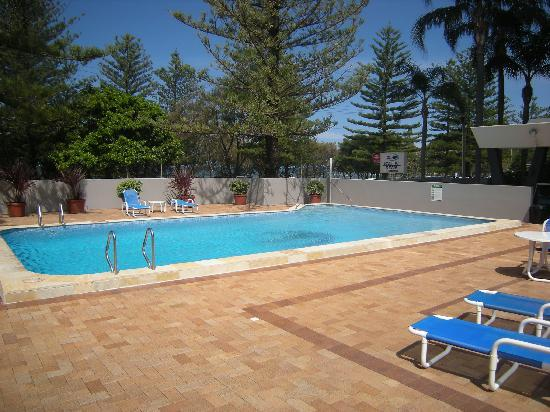 Pacific Regis Beachfront Holiday Apartments : our outdoor pool
