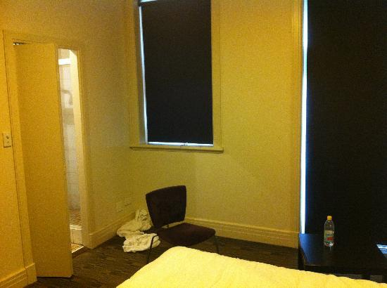 Criterion Hotel: The room, the chair, the ensuite