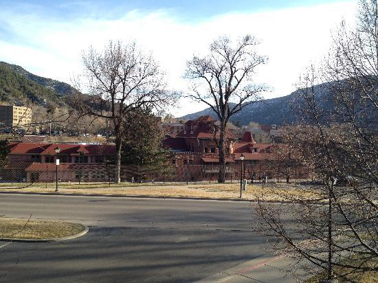 Glenwood Hot Springs Lodge: The Hot Springs, Spa, Athletic Club and Grill