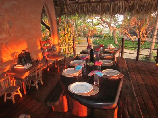 Casa Viva Troncones: Dining with an amazing view...