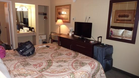 San Francisco at The Presidio Travelodge : Ground floor larger room picture 2