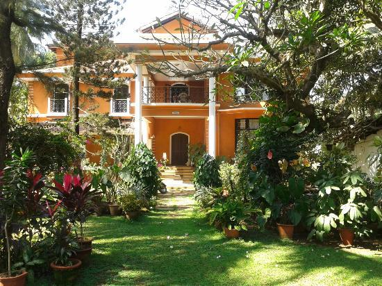 Casa Aleixo: the view from the front lawn showing the  building
