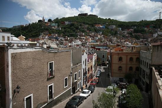 La Casa Del Quijote : and above